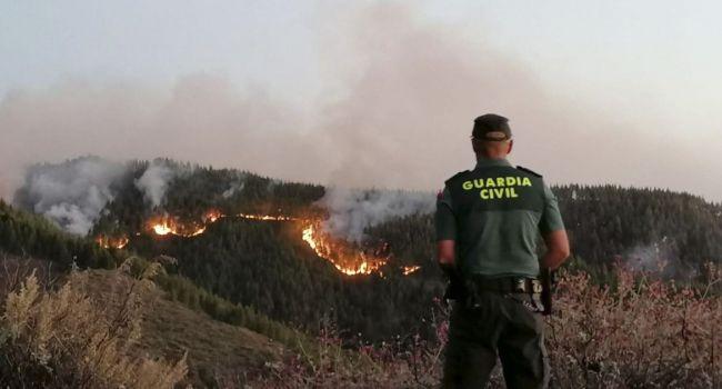 Сильнейший пожар в заповедниках: на Канарских островах проводится экстренная эвакуация