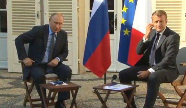 «Россия – великая держава»: Макрон в Париже польстил Путину