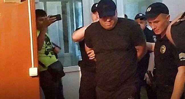 «В СИЗО могут принять еще горячее»: в суде активисты устроили Сороченко горячий прием, облив его мочой