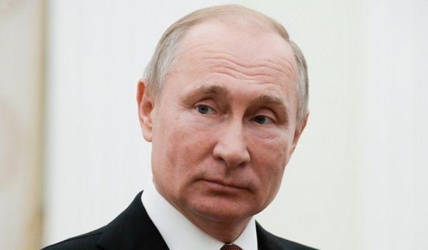 «Царя ублажать поехали»: в РФ чиновница угодила в скандал из-за Путина