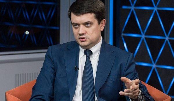 «Нет ни стратегии, ни понимания»: военный эксперт раскритиковал Разумкова за его слова о войне