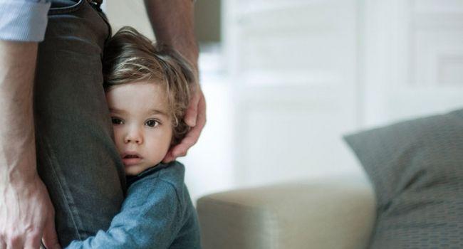 Ученые о причинах и следствиях застенчивости детей