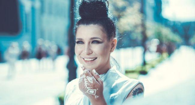 «Какая страшная, бухает?»: Пользователи Instagram были шокированы переменами во внешности певицы Елки