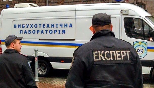 В полицию Киева поступило сообщение, что дом, где живут родители Зеленского, заминирован