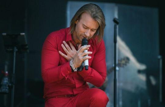 Новая песня Олега Винника пробивает наслезы