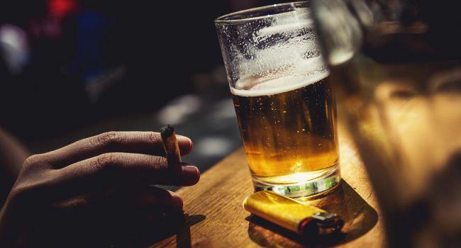 Больше не модно: Молодёжь резко изменила отношение к курению и алкоголю