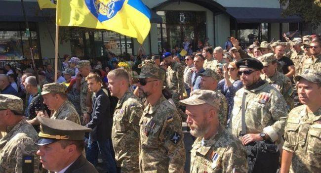 Сергей Гришин: в марше Защитников Украины приняло участие 15-20 тысяч человек, которых никто не свозил