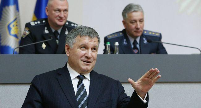 Активисты думали, что Аваков связан с Тимошенко и при ней останется в Кабмине, но просчитались, – блогер