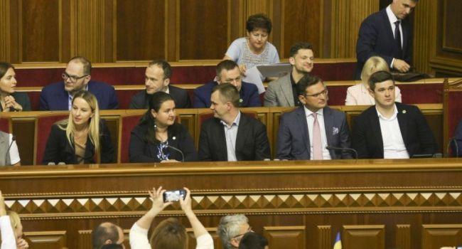 Что известно оновом Премьер-Министре Алексее Гончаруке— Юрист и защитник прав человека