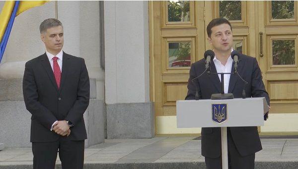 Зеленский официально представил дипломатам Пристайко и рассказал шутку о переезде своего Офиса