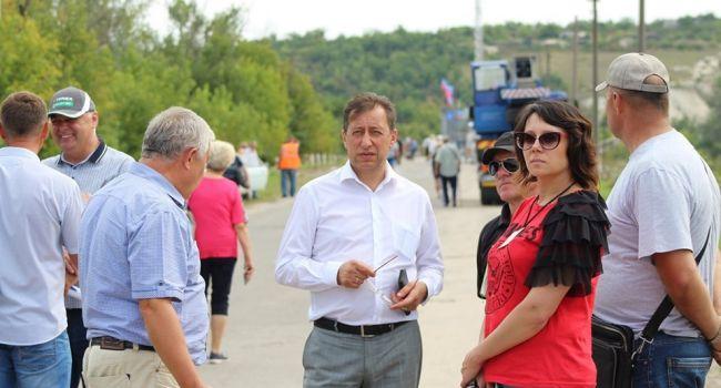 Политолог: этот эпизод очень показательный – теперь то вы видите, какой «мир» наступает на Донбассе