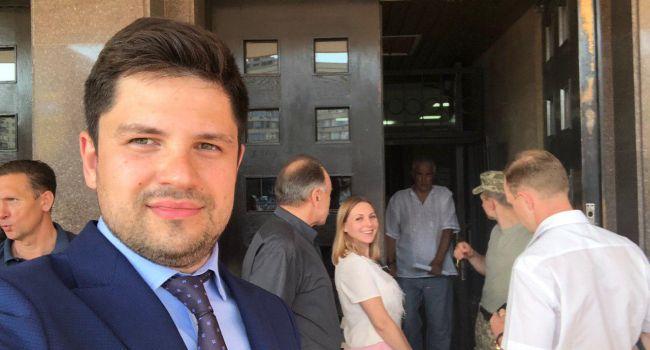 Представители «Слуги народа» снова заговорили о досрочных местных выборах