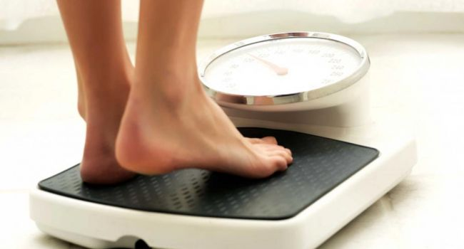 Исправьте эти ошибки: диетологи назвали главные вредные привычки, мешающие похудению