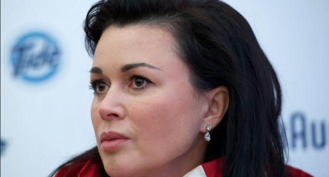 «Решают, что делать дальше»: СМИ сообщили о частичной парализации Анастасии Заворотнюк