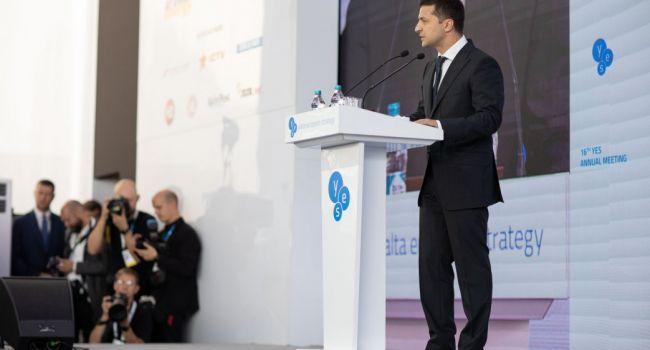 Блогер: теперь я понял стратегию Зеленского в искоренении олигархии. Он хочет, чтобы им стало стыдно, и они сами перестали