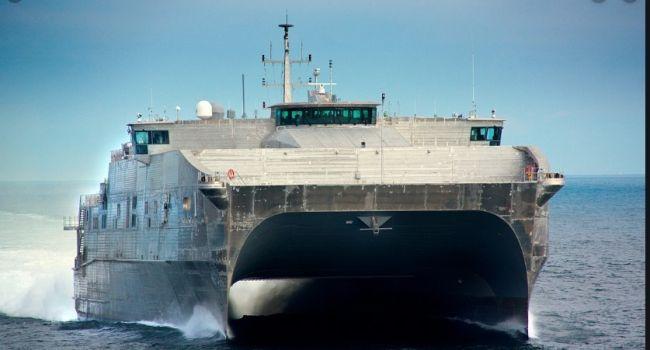 «Россия в страхе наблюдает»: В Черное море зашел корабль ВМС США