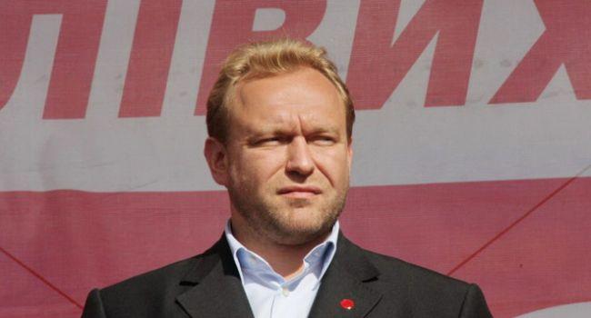 «Нас продолжают насиловать»: Волга рассказал о шествии в Харькове розовых, голубых и фиолетовых