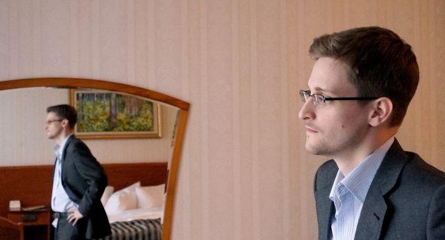 «Беру такси и езжу на метро, но возле Кремля селфи не делаю»: Сноуден рассказал о жизни в России