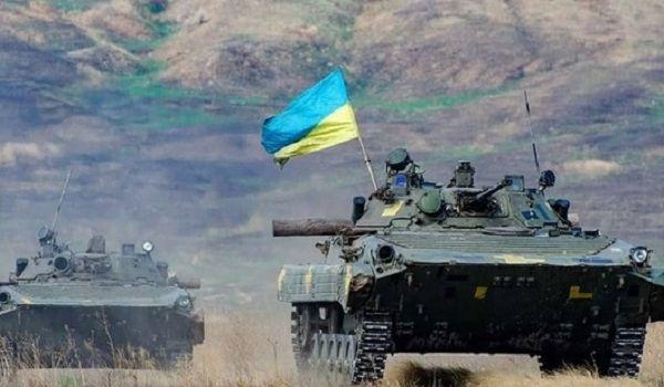 «Враг убивает наших сыновей и дочек»: эксперт призвал Украину активно противостоять РФ на Донбассе