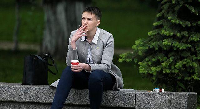 «Надька! Не балуйся! Осторожно!» Савченко опубликовала странные пляжные фото, сеть смеется