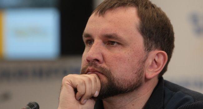 Министрам должно быть стыдно за свое сегодняшнее решение: увольнение Вятровича вызвало волну негодования в сети