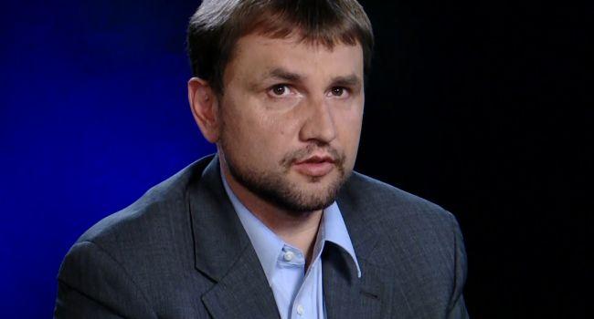 «Если следовать логике, то и поражению Порошенко не нужно было радоваться»: Журналист отреагировал на увольнение Вятровича