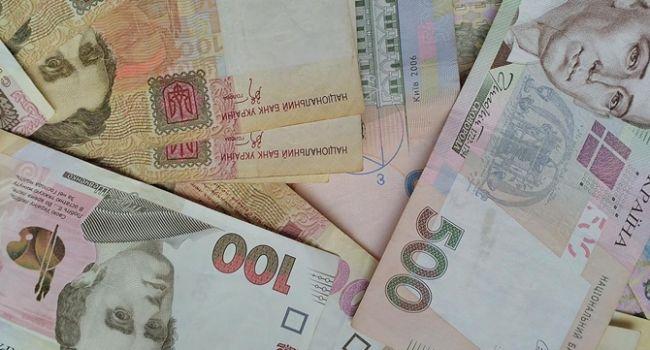 «Не поднимут ни зарплат, ни пенсий, но отберут субсидии»: У Порошенко прокомментировали госбюджет-2020