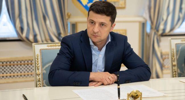 Юрист-международник: когда уже Зеленский поймет, что ему нужны соратники, а не очарованные телезрители?