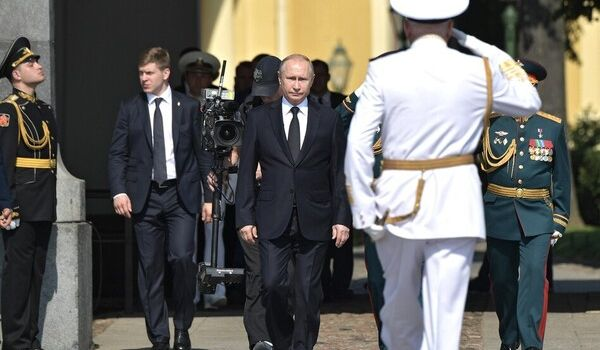 «Америка может позволить себе потерять 5 тысяч человек, а РФ может позволить себе потерять 5 миллионов, и будет при этом еще и гордиться», - российский политолог