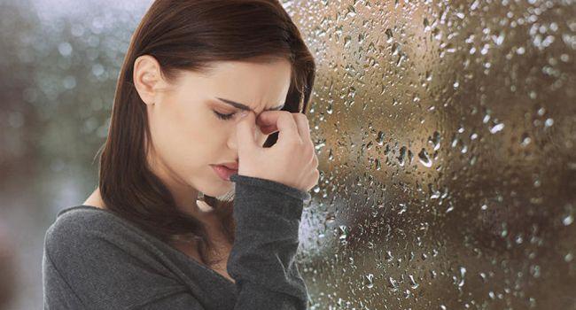 Медики рассказали, почему ухудшается самочувствие при погодных изменениях