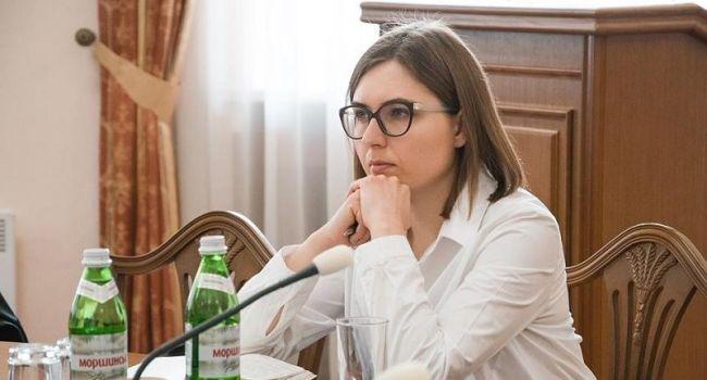 Прозапас: для повышения зарплат педагогам нужно втрое меньше, чем вывел только с «ПриватБанка» Коломойский