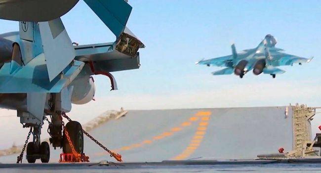 Боевые самолеты США разведали обстановку у берегов Крыма: На полуостров прибыл истребительный авиаполк РФ