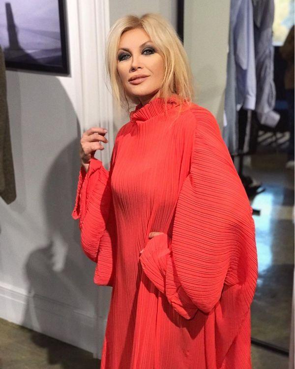 Подруга Януковича Повалий в Киеве покрасовалась нарядами от отечественного дизайнера