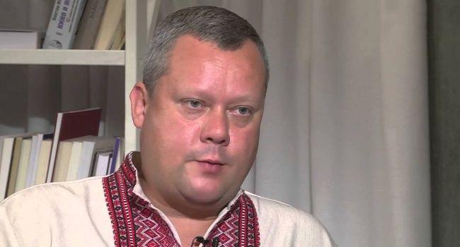 «У Зеленского в руках должен быть пистолет»: блогер озвучил сценарий радикального решения конфликта на Донбассе
