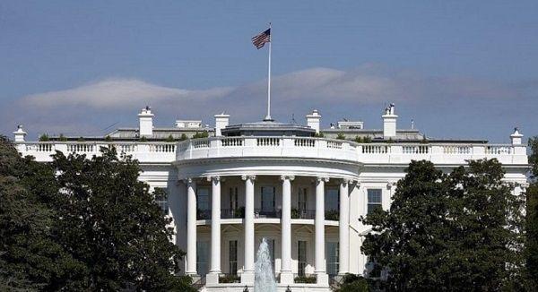 Белый дом будет проводить внутреннее расследование из-за скандального разговора Трампа с Зеленским