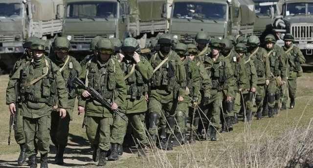 «Полная боевая готовность»: Что происходит с войсками Путина на Донбассе, почему такой «кипишь»?