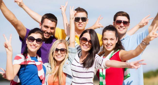 Наличие большого количества друзей способно повысить самооценку человека