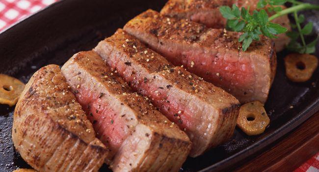 Едите мясо - будет рак: ученые опровергли популярный миф