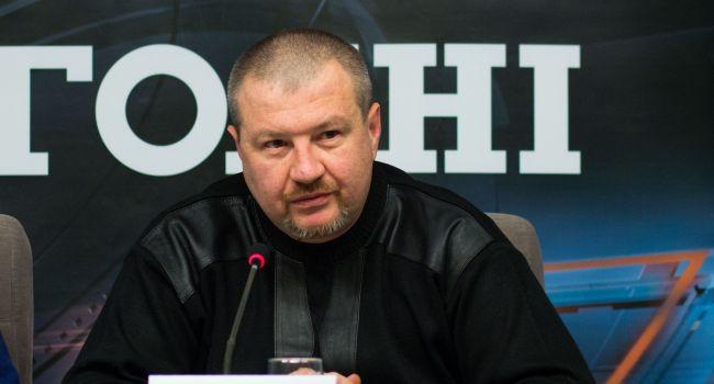 Теперь любой регион, подняв вооруженный мятеж, сможет изменить конституционное устройство Украины — Машовец