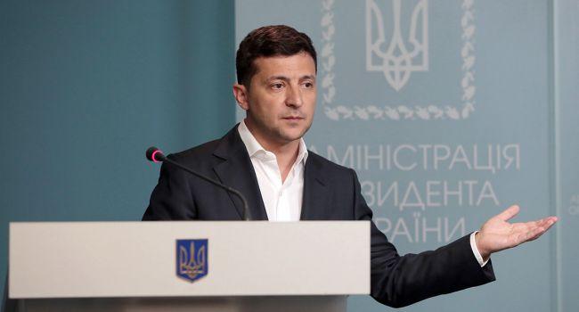 Польские СМИ подозревают, что Зеленский «сливает» Украину
