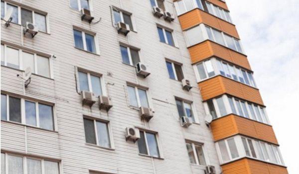 Прямо на глазах у сына: в Киеве больная раком женщина покончила с собой