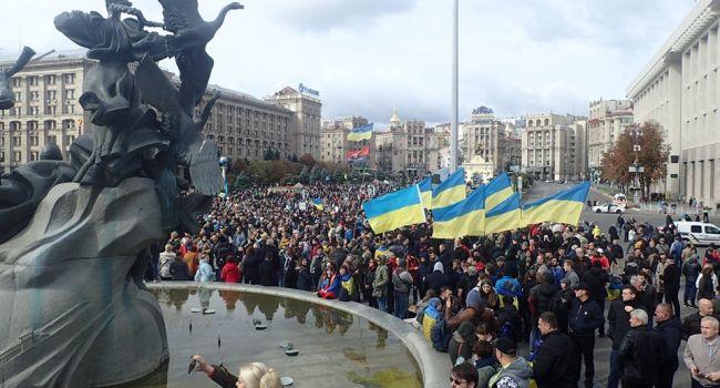 Медведчуковские каналы «закипают» в обсуждении акций протеста в Киеве: заявляют, что все это проплачено и незаконно