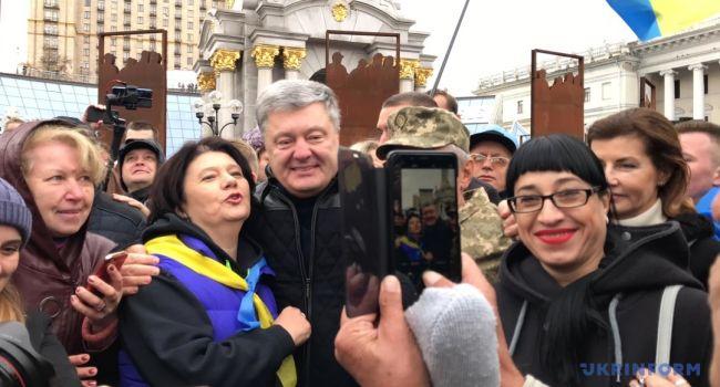 «Выйди отсюда, разбойник»: Политолог показал забавные фото после инцидента с Порошенко и таксистом
