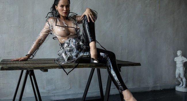 «Как можно иметь такие а**ительные с*ськи?»  Даша Астафьева во всей красе показала свой голый бюст