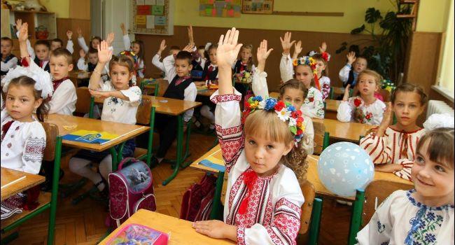 «Нынешняя власть держит курс на тотальную и насильственную украинизацию страны»: в России возмутились из-за украинского языка в Украине