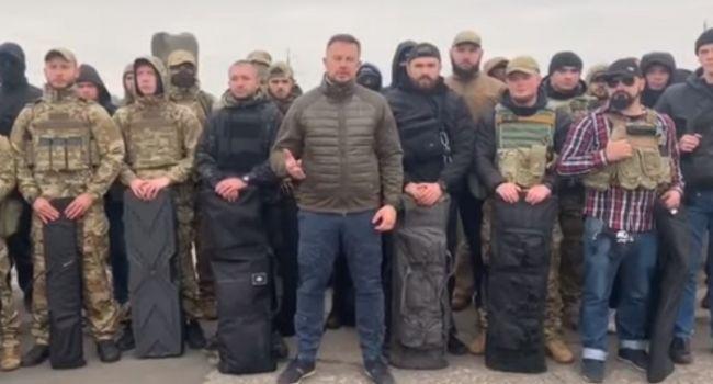 «Новый ультиматум Билецкого»: Добровольцы остаются в Золотом, пока Зеленский официально не откажется от вывода ВСУ