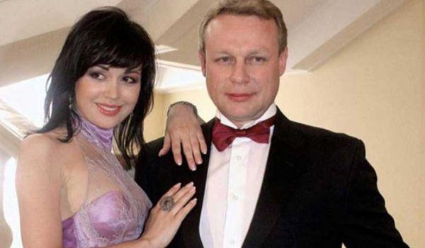 «Ей просто не дали нормально лечиться»: бывший возлюбленный знаменитости указал на причину ее выписки