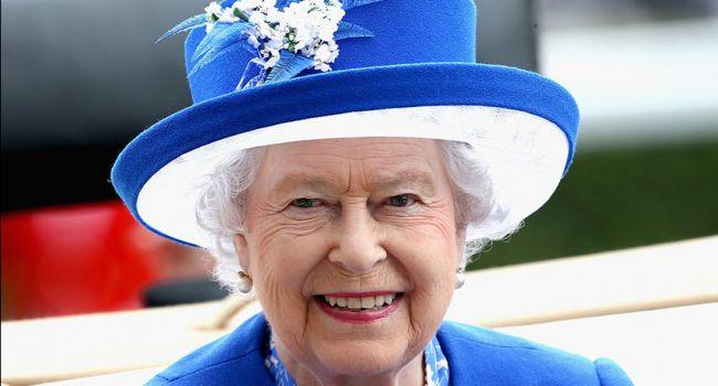 «Безукоризненная, ухоженная, ей могут завидовать все женщины»: Кейт Уинслет рассказала, как вблизи выглядит Елизавета II