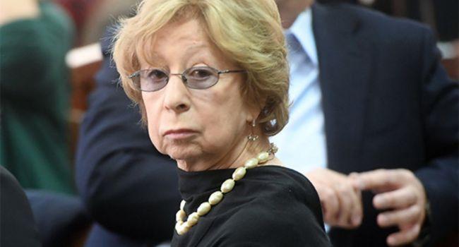 Ахеджакова рассказала, как власть запугивает граждан РФ
