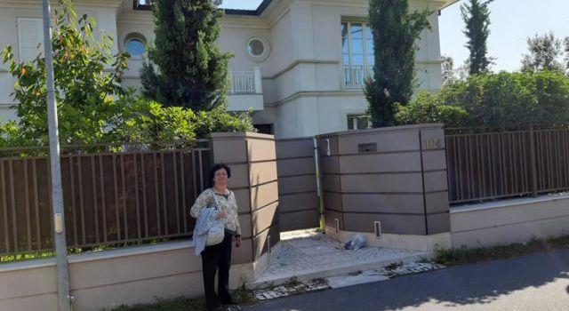 Журналист слил в интернет фотографии особняка Зеленского в Италии